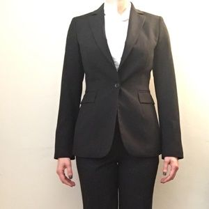 Express Suit (Editor Pant Size 6R)
